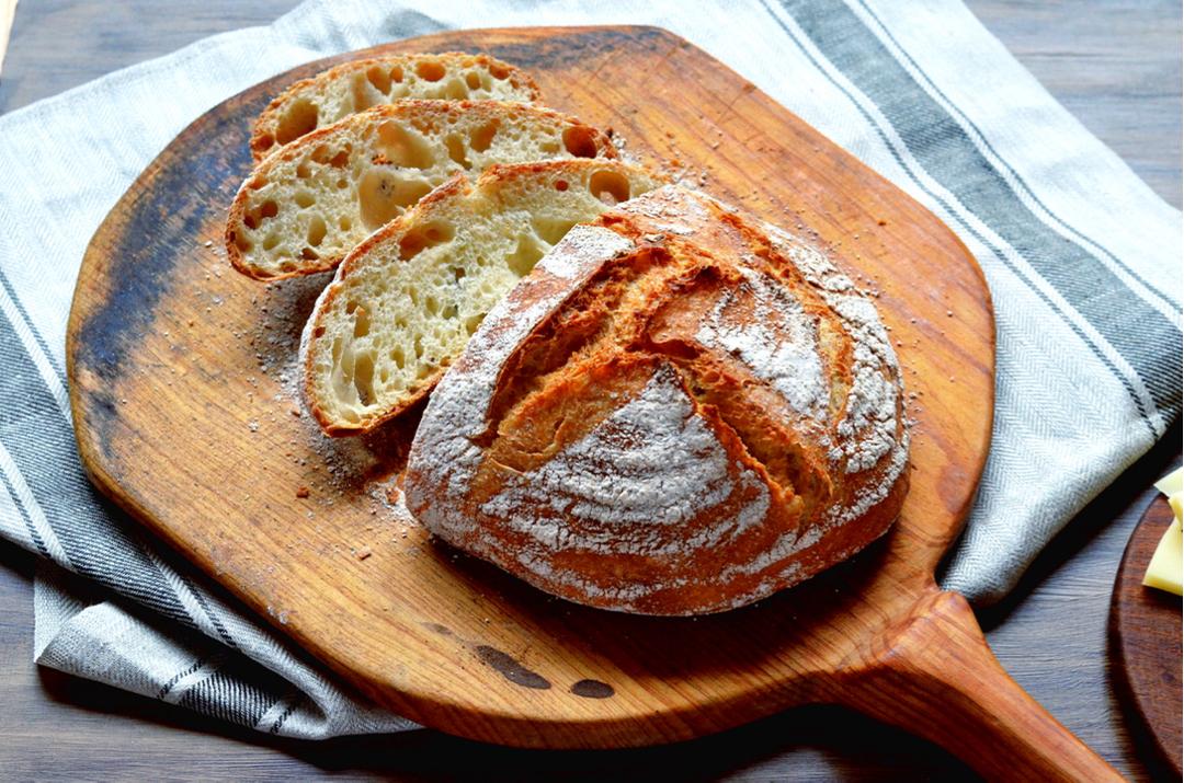 Pan rústico con biga pan y rebanadas 2